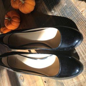Circa Joan & David Luxe Black Patent Heels!